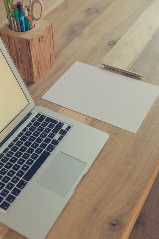 Audrey, secrétaire et assistante freelance à domicile vous propose ses services de secrétariat, saisie et saisie audio, rédaction ou correction de documents, articles de blogs, community management...